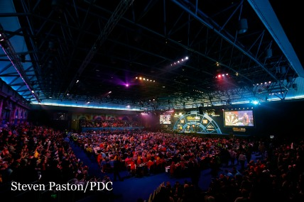 General view during the 2nd round during day nine of the William Hill PDC World Championship at Alexandra Palace, London. Photo. Picture date: Sunday December 27, 2015. Steve Paston/PDC
